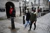 Βρετανία: Πάνω από 2 εκατ. πολίτες βγαίνουν σήμερα ξανά από το σπίτι