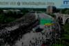 ΗΠΑ: Οδηγός φορτηγού πέρασε με ταχύτητα μέσα από πλήθος διαδηλωτών (video)