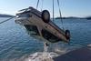 Αχαΐα: Αυτοκίνητο έπεσε στη θάλασσα - Άγιο είχε γυναίκα