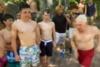 73χρονος παππούς κάνει cliff diving (video)