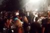 Ικαρία: Πανηγύρι, χοροί και συνωστισμός στην Ακαμάτρα (video)