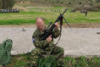 Απολύθηκε ο εθνοφύλακας που απειλούσε να πυροβολήσει πρόσφυγες στον Καρά Τεπέ