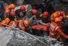 Ινδία: Αυξήθηκαν οι νεκροί από την κατάρρευση τριώροφου κτιρίου
