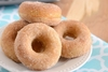 Πόσα γεμιστά ντόνατς θα μπορούσατε να φάτε μέσα σε 3 λεπτά (video)
