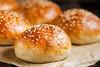 Συνταγή για πανεύκολα σπιτικά ψωμάκια για μπέργκερ