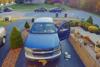Πήγε να φτιάξει το αυτοκίνητό του και έφερε την καταστροφή (video)