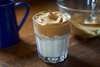Dalgona coffee - Γνωρίστε τον καφέ που βρέθηκε στην κορυφή των αναζητήσεων της Google (video)