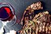 Κόκκινο κρέας - Γιατί «πρέπει» να το συνδυάζετε πάντα με κόκκινο κρασί
