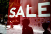 Πάτρα: Ετοιμάζονται τα μαγαζιά για το άνοιγμα της αγοράς και τις εκπτώσεις