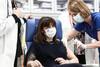 Κορωνοϊός - Τη δεύτερη δόση του εμβολίου έλαβε η Κατερίνα Σακελλαροπούλου