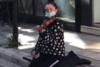 Η βιολίστρια που «έφτιαξε» ακροατήριο στην Ρήγα Φεραίου (βίντεο)