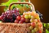 Αυτά είναι τα ζουμερά φρούτα που προστατεύουν το δέρμα από τον ήλιο