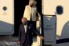 Έφθασε στην Ελλάδα ο πρίγκιπας Κάρολος συνοδευόμενος από την σύζυγό του