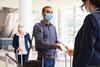 Ισπανία: Υπάλληλος φαρμακείου πωλούσε πλαστά πιστοποιητικά τεστ Covid-19 σε ταξιδιώτες