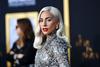 Lady Gaga: 'Με βίασε και με παράτησε έγκυο σε μια γωνιά'