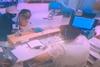 Νέα Φιλαδέλφεια: Βίντεο-σοκ από ληστεία τράπεζας με ομηρία