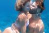 Ηλίας Βρεττός: Φιλιά κάτω από το νερό με την καλλονή σύντροφό του, Αναστασία