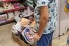 Ρέθυμνο: Viral η φωτογραφία του μικρού Μανώλη σε σούπερ μάρκετ - Η συγκινητική κίνησή του!