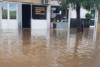 Η νυχτερινή μπόρα έφερε πλημμύρες στο Αγρίνιο (φωτο)