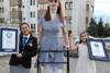 Η Ρουμέισα Γκελγκί είναι η ψηλότερη γυναίκα στον κόσμο (video)