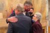 Ζευγάρι ηλικιωμένων 87 και 85 ετών παντρεύτηκε στο δημαρχείο της Αθήνας