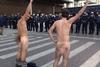 Γυμνή διαμαρτυρία στο Σύνταγμα! - Δείτε φωτογραφίες