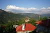 Ορεινή Ναυπακτία: Το χωριό ετοιμαζόταν για γάμο και βαφτίσια αλλά θα κάνει κηδεία! – Σκότωσε τον γαμπρό του μπροστά στον 9χρονο γιο του