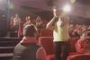 Πάτρα: Πρόταση γάμου σε σινεμά! (Δείτε video)