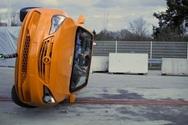 Δείτε τις απίστευτες δοκιμές ανατροπής σε τέσσερα δημοφιλή... supercars! (video)