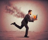 Δείτε τι να κάνετε για να μην καίει το laptop σας!
