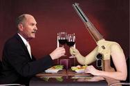 Έτσι περνάει τα βράδια του ο Μιχάλης Αρβανίτης - Ο Αχαιός βουλευτής της Χρυσής Αυγής και το όπλο του (pics)