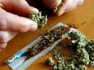 Πάτρα: 'Τσίμπησαν' νεαρούς για ναρκωτικά στην πλατεία Βουδ