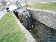 Ατυχήματα που απορείς... πως τα κατάφεραν (pics)