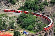 Εντυπωσιακή διαδρομή με τρένο (pics+video)