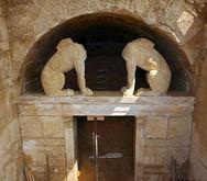 Αμφίπολη: Σε τοίχο έπεσαν οι ανασκαφείς στον τέταρτο θάλαμο - Ελπίδες για υπόγειες κρύπτες (pics)