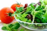 Πως οι σαλάτες γίνονται ανθυγιεινές και τι πρέπει να προσέχετε