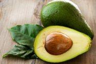 Φτιάξτε εύκολα και γρήγορα το δικό σας σπιτικό κοντίσιονερ μαλλιών με αβοκάντο