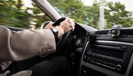 Στα 101 του χρόνια... ανανέωσε την άδεια οδήγησης