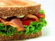 Έτσι φτιάχνονται τα συσκευασμένα σάντουιτς (video)