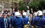 Ναύπλιο: Ο Α. Σαμαράς πήρε το χρυσό κλειδί της πόλης και οι πολίτες... μούτζωναν (pics+video)
