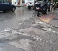 Πάτρα: 'Λιμνούλες' και 'ποταμάκια' στο κέντρο λόγω του όγκου της βροχής (pic)