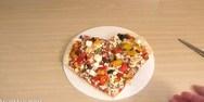 Μια πίτσα για την ημέρα του Αγίου Βαλεντίνου! (video)
