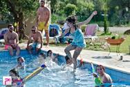 To καλύτερο party του Σ/Κ έγινε σε πισίνα, σε ένα αγρόκτημα!