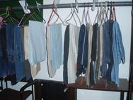 Πάτρα: Όταν η αγάπη γίνεται… τόνοι από ρούχα - Πήγαμε στην Κεντρική Δημοτική Ιματιοθήκη (pics)