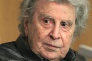 Τα 90ά γενέθλιά του γιορτάζει ο Μίκης Θεοδωράκης (video)