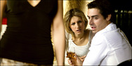Πως η ζήλια μπορεί να μας οδηγήσει στο αλκoόλ