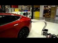 Καινοτομία της Tesla: Φορτιστής θαύμα - συνδέεται μόνος του στο αυτοκίνητο! (pic+video)