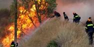 Συνεχίζει με καταστροφικούς ρυθμούς η φωτιά στο Ξυλόκαστρο! (pics+video)