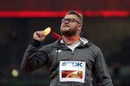 Αθλητής πλήρωσε ταξί με το... χρυσό μετάλλιο που μόλις είχε κατακτήσει! (pic)