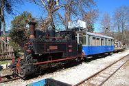 «Τσαφ, τσουφ το τραίνο περνά» - Εκδρομή με τον Οδοντωτό από Άγγλους τουρίστες